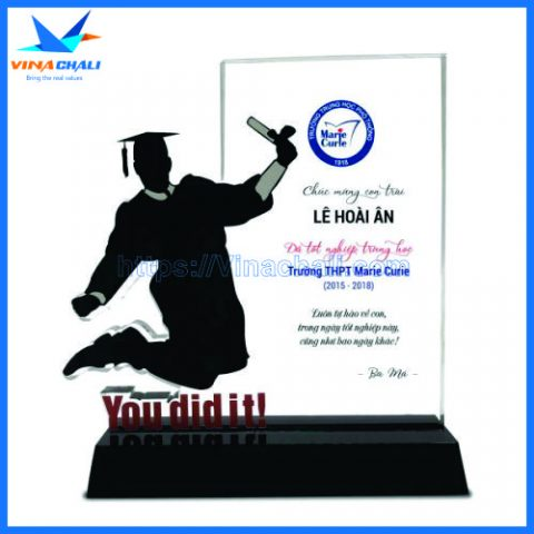 Kỷ niệm chương lễ tốt nghiệp nam 2