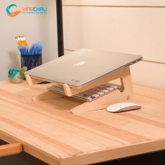 Kệ để laptop bằng gỗ thông