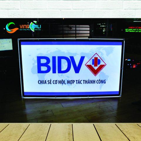 Tranh điện ốc chân kính BIDV 2